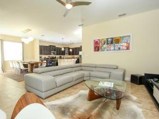 6 Bedroom 5 Bath Paradise Palms Resort Pool Home That Sleeps 14 Guests. 2953BPA, Orlando