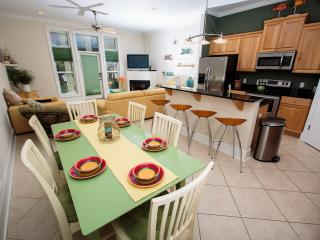 3 Bedroom + Loft, Private Pool, Beach Access, Panama City Beach