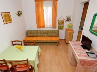 TH03463 Apartments Vlasta / A3 ORANGE One Bedroom, Podgora