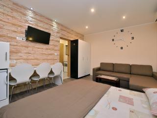 TH01276 Apartments Tomislav / Triple Room S1, Sukosan