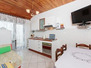 TH03467 Apartments Jurić / Two Bedrooms A6, Podstrana