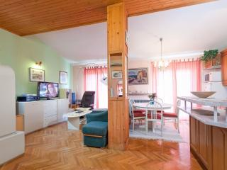 TH03447 Apartments Nevena / Three Bedrooms A1, Tucepi