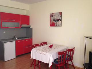 TH03516 Apartments Milas / Two Bedrooms Sara, Podstrana
