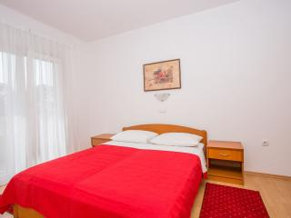 TH02863 Apartments Macolić / Two Bedrooms 1B, Rab Island