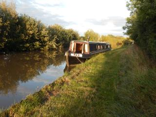 Adele Marie - Lovely cosy 58ft Narrowboat, Nantwich