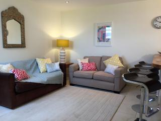Lovely open plan space  - perfect to socialise in.