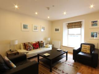 The Loft @ 18 Duke Street - in the centre of town, Padstow