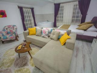 Urgup Suites - 2-bedroom Serviced Apartment