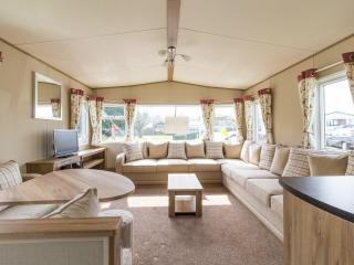 Cherry Tree  70403 - Stunning home with decking, Great Yarmouth