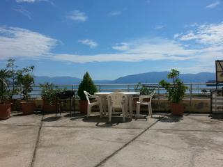 Small apartament for 3, Vlore