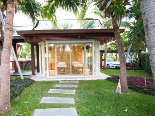 5 Bedroom Luxury Beachfront Villa
