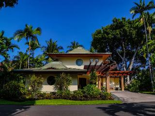 Alii Point - Luxury Villa in Private Oceanfront Community, Kailua-Kona