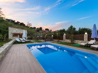 Maratho Villa, sports & spa!, Rethymnon