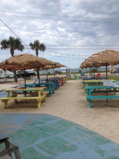 Lunch on the sand...CHRIS CRAB HOUSE.... few minutes from the house