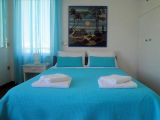 Sea View aprt. 3 bedrooms sleeps 6+ Voula Athens