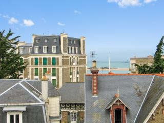 Delightful studio with  balcony & wifi, Dinard