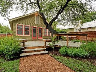 Oak-Shaded House + Backyard Cottage in Bouldin Creek