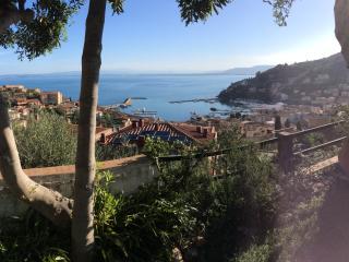 Apt with stunning sea view, swimming pool, tennis, Porto Santo Stefano