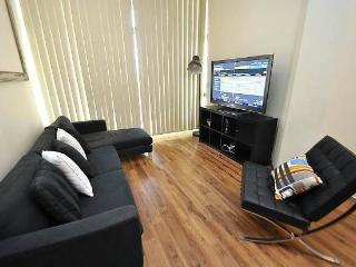 CAMPERDOWN FULLY SELF CONTAINED MODERN 2 BED APARTMENT (205MIS), Sydney