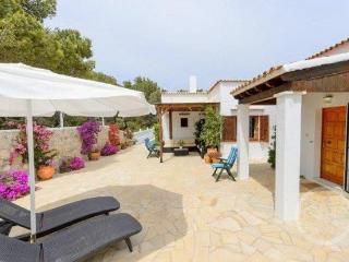 Family Villa with separate studio, Santa Eulalia, Cala Llenya