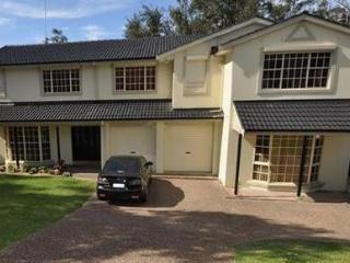CASTLE HILL FULLY SELF CONTAINED MODERN 4 BED HOUSE (60AGIL)
