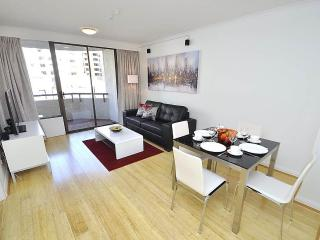 DARLINGHURST FULLY SELF CONTAINED MODERN 1 BED APARTMENT (49OXF), Sídney