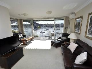 DRUMMOYNE FULLY SELF CONTAINED MODERN 3 BED APARTMENT (3DRU), Sydney