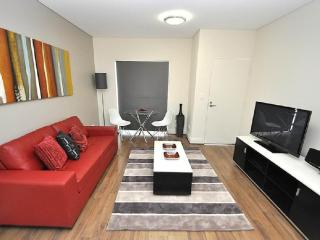 GLEBE FULLY SELF CONTAINED MODERN 1 BED APARTMENT (2COW), Sydney