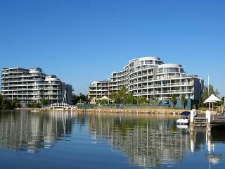 HOMEBUSH BAY FULLY SELF CONTAINED MODERN 2 BED APARTMENT (133BEN), Sídney