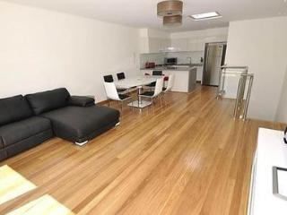 LEICHHARDT FULLY SELF CONTAINED MODERN 2 BED APARTMENT (2NOR), Sídney