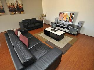 NORTH RYDE FULLY SELF CONTAINED MODERN 2 BED APARTMENT (64CULL), Sydney