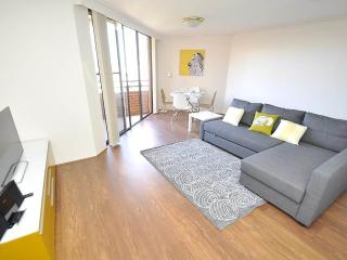 PYRMONT FULLY SELF CONTAINED MODERN 2 BED APARTMENT (1191HAR)