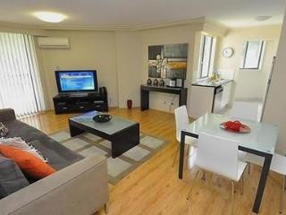 PYRMONT FULLY SELF CONTAINED MODERN 1 BED APARTMENT (28MIL), Sydney