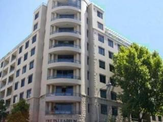 PYRMONT FULLY SELF CONTAINED MODERN 1 BED APARTMENT (28MIL)