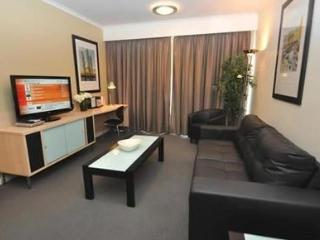 PYRMONT FULLY SELF CONTAINED MODERN 2 BED APARTMENT (310MUR)