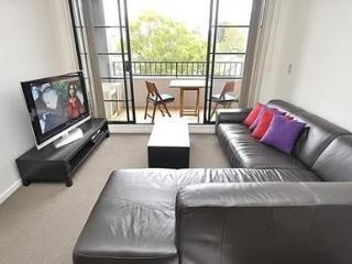 SURRY HILLS FULLY SELF CONTAINED MODERN 1 BED APARTMENT (409COOP), Sydney
