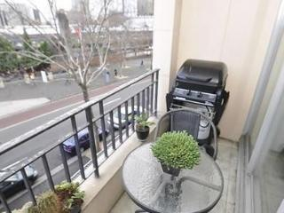 SURRY HILLS FULLY SELF CONTAINED MODERN 1 BED APARTMENT (7CHR)