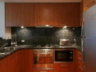 SYDNEY CBD FULLY SELF CONTAINED MODERN 2 BED APARTMENT (2701MKT)