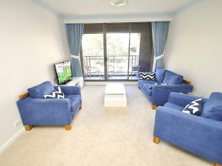 SYDNEY CBD FULLY SELF CONTAINED MODERN 2 BED APARTMENT (302ELZ), Sídney