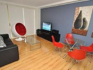 SYDNEY CBD FULLY SELF CONTAINED MODERN 2 BED APARTMENT (36MKT)