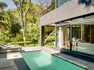 Luxury Villa in Higgovale, Cape Town Central