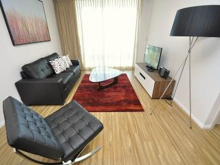SYDNEY CBD FULLY SELF CONTAINED MODERN 1 BED APARTMENT (4606PT), Sídney