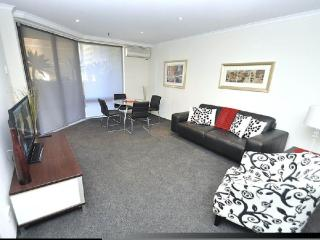 SYDNEY CBD FULLY SELF CONTAINED MODERN 1 BED APARTMENT (15MKT), Sídney