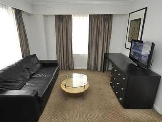 SYDNEY CBD FULLY SELF CONTAINED MODERN 1 BED APARTMENT (625HG), Sídney