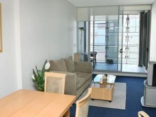 SYDNEY CBD FULLY SELF CONTAINED MODERN 1 BED APARTMENT (714SHY), Sídney