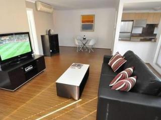 WOOLLOOMOOLOO FULLY SELF CONTAINED MODERN 1 BED APARTMENT (12BRK)