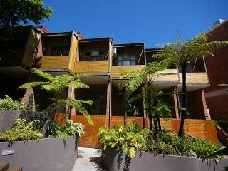 PADDINGTON FULLY SELF CONTAINED MODERN 1 BED APARTMENT (25OXF), Sydney