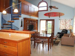 Ocean View Main House 10min walking to Sandy Beach, Rincon