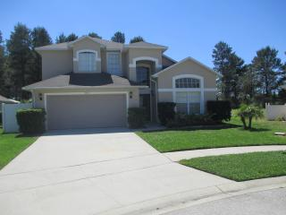 Luxurious 5 Bd villa 3.5 miles to Disney, Kissimmee