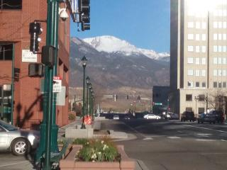 Downtown condo, better than a hotel, Colorado Springs